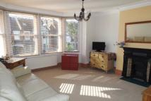 2 bedroom Flat in Warwick Road, Wanstead...