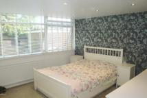 Flat to rent in River Close, Wanstead...