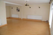 3 bed home in Greenwood Road, Chigwell...
