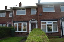 Town House to rent in Worcester Close...