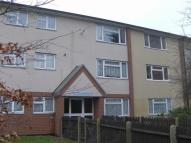 2 bedroom Flat to rent in Appledore Close, Margate...