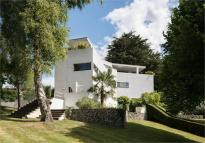 5 bed Detached property in Highover Park, Amersham...