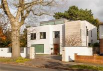 5 bed Detached home for sale in Kings Hall Road...
