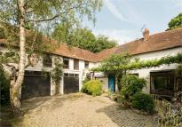 7 bedroom semi detached home for sale in Bovingdon Green...