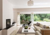 5 bed Detached property for sale in Strathdale, London, SW16