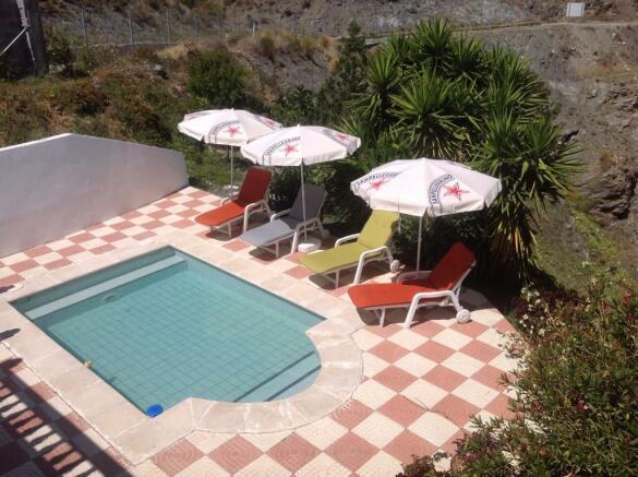 Pool & rear Terrace