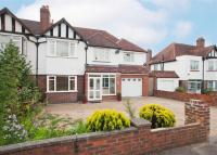 4 bedroom Detached property in Holland Avenue, Sutton