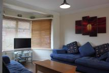 3 bed house in Dudley Drive, Morden