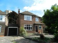 3 bed home in Effingham Close, Sutton
