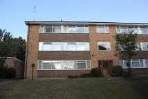 2 bedroom Flat in Christchurch Park, Sutton