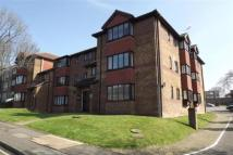 42-46 Benhill Wood Road Flat to rent