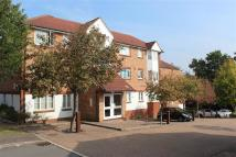 2 bedroom Apartment in Autumn Drive, SUTTON