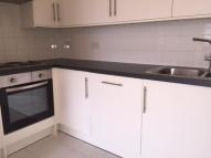 Flat to rent in 88 Benhill Wood Road...