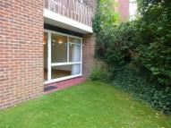 Flat to rent in Brighton Road, SUTTON