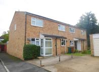 2 bed Flat to rent in Gauntlett Road, SUTTON