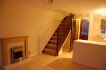 Brookwood Avenue Terraced property to rent
