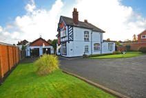 4 bedroom Detached home for sale in Tyninghame Avenue...