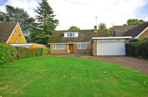 3 bedroom Detached Bungalow in Woodthorne Road South...