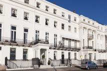 Flat to rent in Arundel Terrace