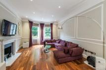 Flat to rent in Montagu Square...