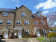 4 bedroom Town House to rent in Beckside Close, Lumb...