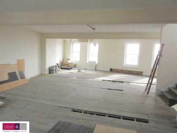 Alcove Room 1