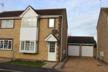 semi detached property to rent in Moorhen Road, Whittlesey...