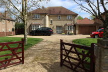 5 bedroom Detached house to rent in The Village...