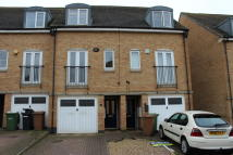 3 bed Terraced house to rent in Beaumont Way...