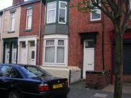 Flat to rent in Wharton Street...