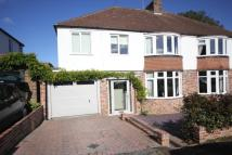 4 bed semi detached home in Park Mount, Harpenden...