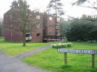 2 bedroom Flat in Foxlands Crescent, Penn...