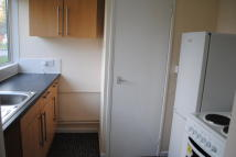 Studio flat in Browns Green, Handsworth...