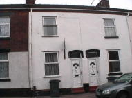 Terraced home to rent in Lower Mayer Street...