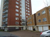 LAKESIDE RISE Flat to rent
