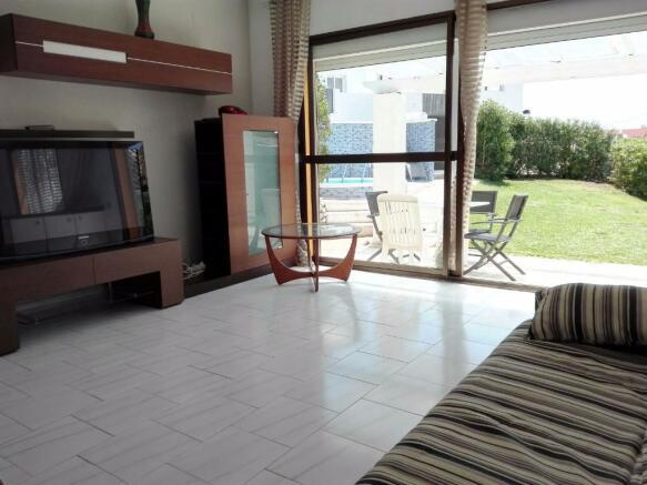 Lounge & Terrace