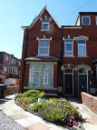 Flat to rent in Lightburne Avenue...