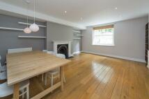 2 bedroom Flat in Highbury Hill, London, N5