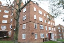 3 bed Apartment in Perth Court, Denmark Hill