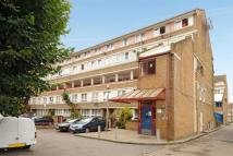 2 bedroom Flat in Palm Court