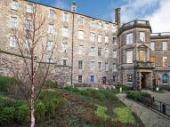 Flat to rent in (cs) James Craig Walk...