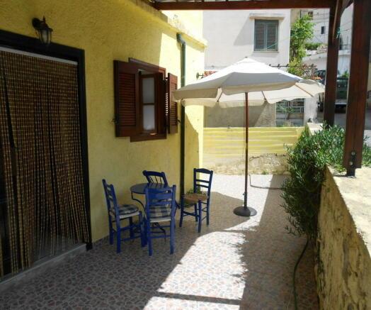 Entry terrace