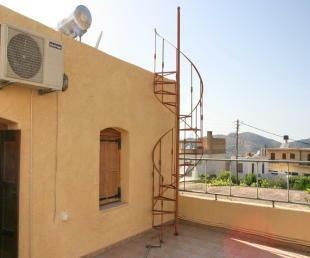 Upper back terrace