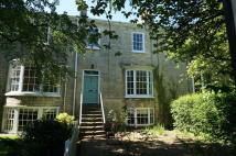4 bed Terraced property in High Street, Boston Spa...