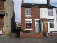 3 bedroom semi detached property to rent in Heath Street, Hednesford...