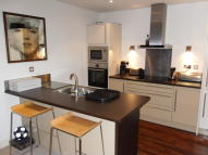 Apartment to rent in 21 The Park, Kirkburton...