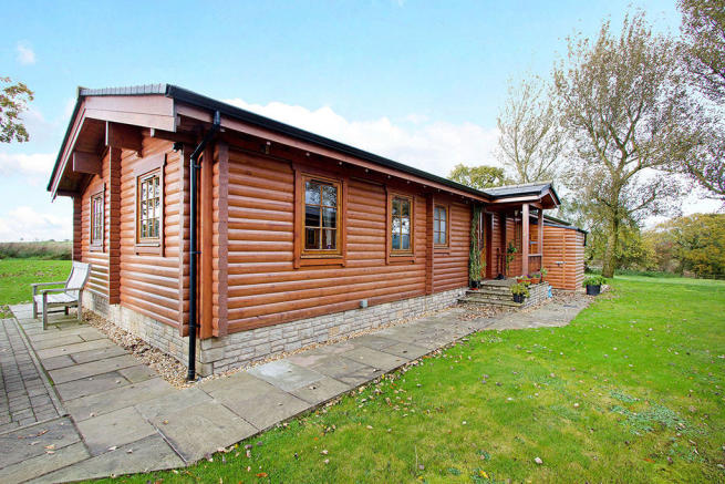 3 bedroom log cabin for sale in log cabin at keasden for One room log cabin for sale
