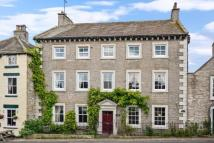 4 bed semi detached property in Market Place, Middleham...