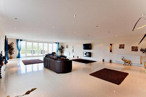 Living/Games Room