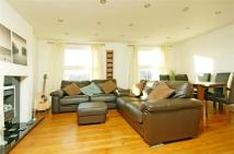 3 bed Flat to rent in Byrne Road, Balham...